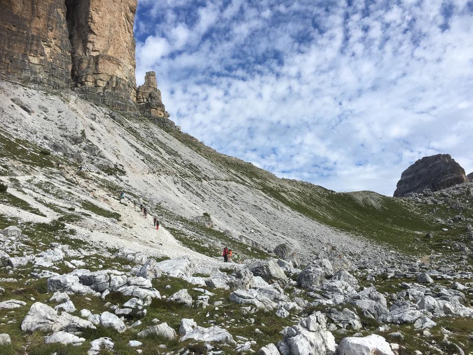 Montanha Schlern em Alto Adige, italiano Dolomites