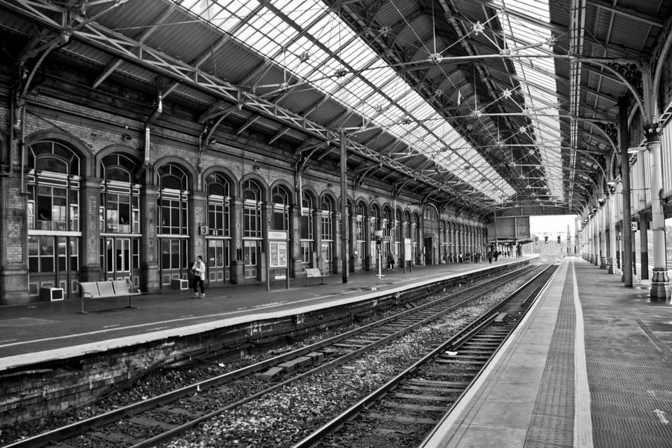 Preston Bahnhof in schwarz und weiß