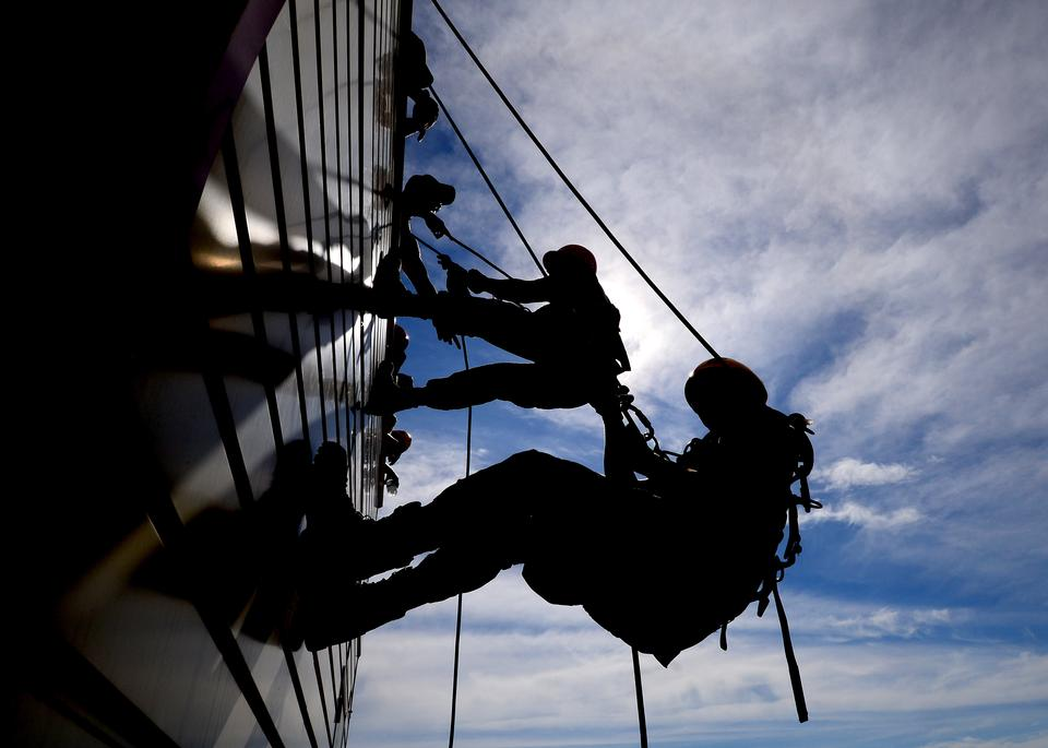 firefighters participate in rescue training course