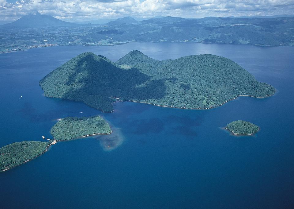 海の中の楽園熱帯の島の空撮