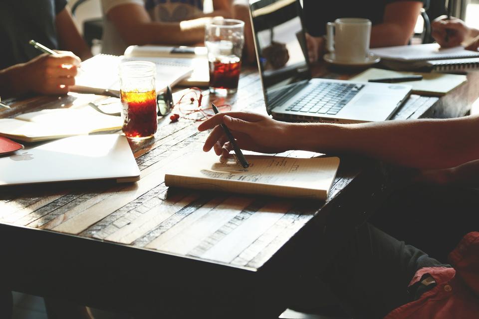 Marketing-Analyse Accounting-Team Geschäfts-Meeting-Konzept