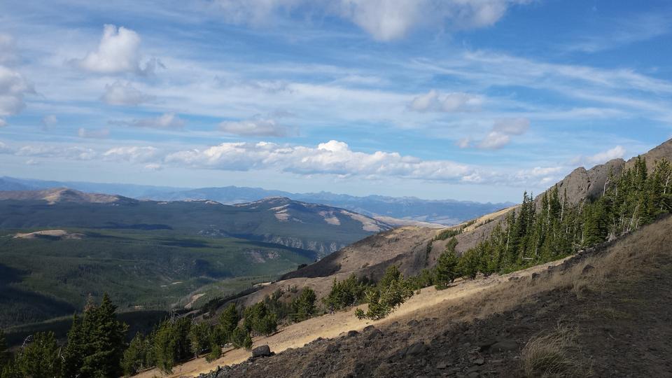 Huge Vista de Mt. Washburn sur les plaines de Yellowstone