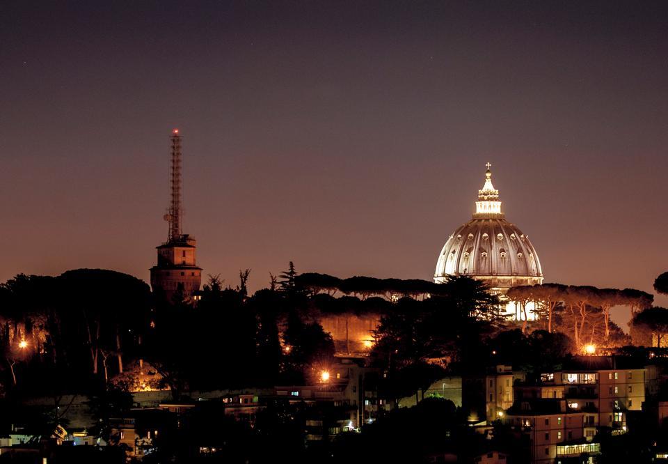科隆大教堂在夜間