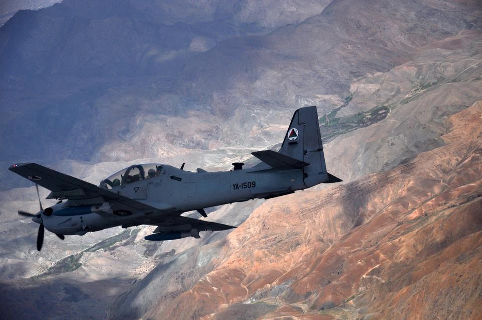 A-29スーパートゥカーノはアフガニスタンを飛びます