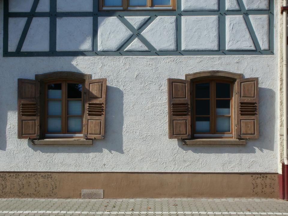 The Windows of the house of the nineteenth century
