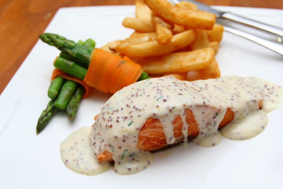 Grilled Salmon Steak with Spinach, Tartare Cream