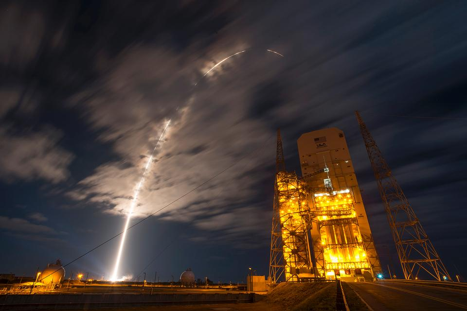 Liftoff of Cygnus Cargo Ship, Atlas V Rocket