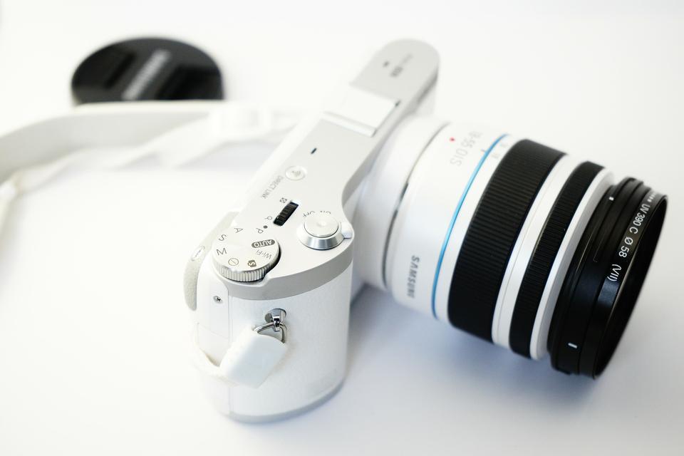 白色摄像头