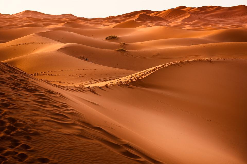 シェビ砂丘は、モロッコの砂丘