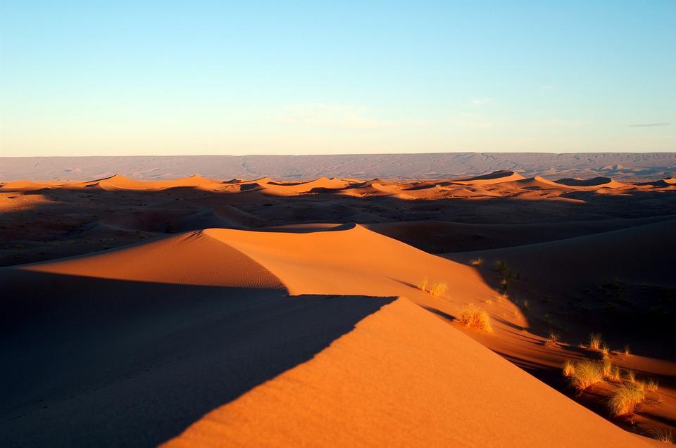Marocaine fond désert de dunes. Ciel bleu