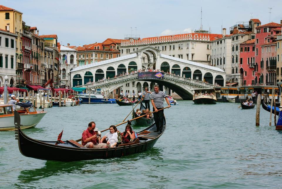 京杭大运河和大教堂安康圣母圣殿,威尼斯,意大利