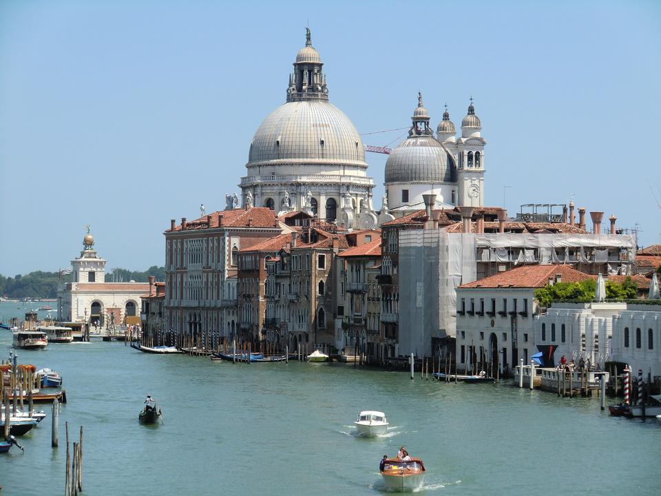 베니스, 이탈리아에서 곤돌라와 대운하 (Grand Canal)