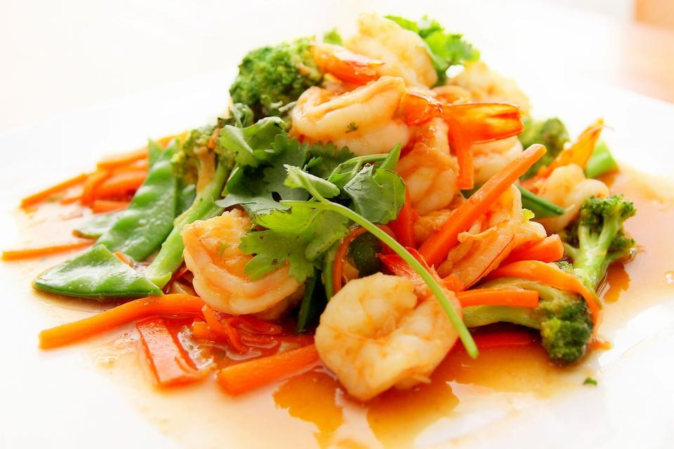 salad of shrimp, mixed greens  Image ID:149410373