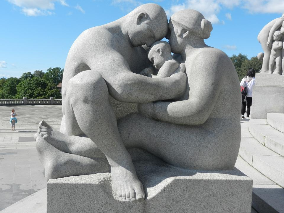 The most famous park in Norway created by sculptor