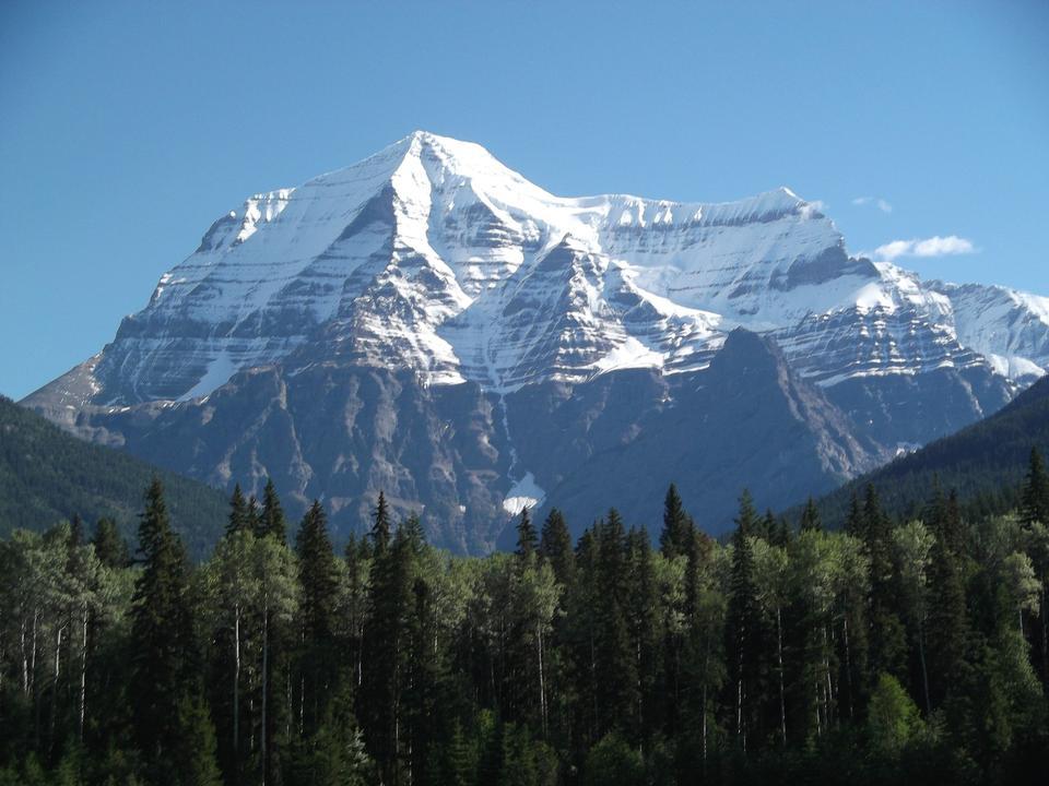 Beautiful sunny landscape with Mount Alberta, Canada