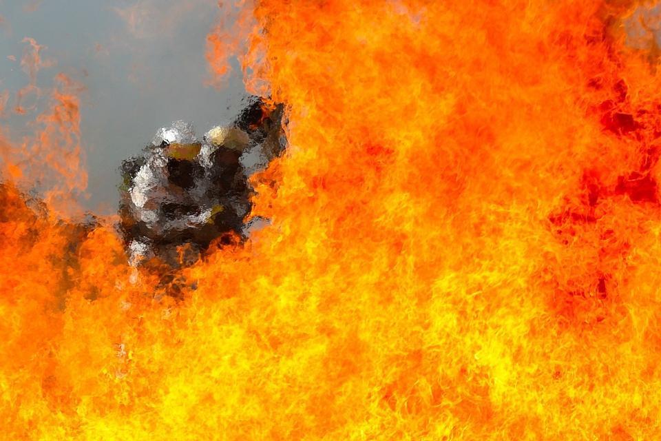 Aviadores colocar seu combate a incêndios