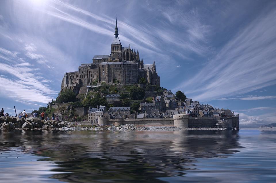 Мон-Сен-Мишель всемирно известный туристический аттракцион в Нормандии, Franc