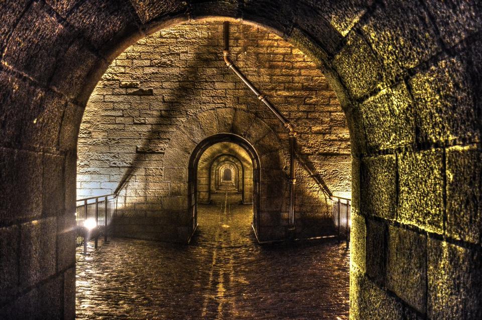Passage Chemin Arches ancien patrimoine