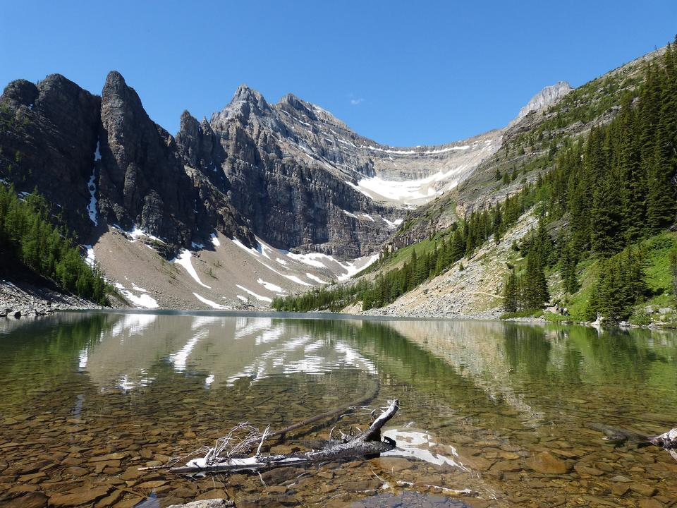 Scenic mountain hiking views, Berg Lake Trail,