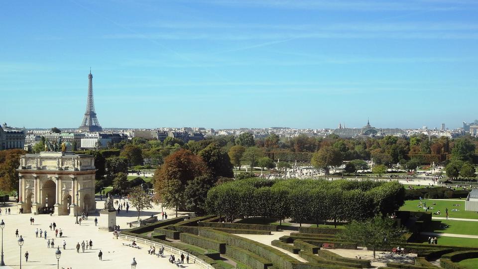 巴黎埃菲爾鐵塔法國盧浮宮