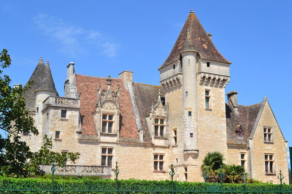 Chateau des Milandes is a Renaissance architecture Gothic Revial