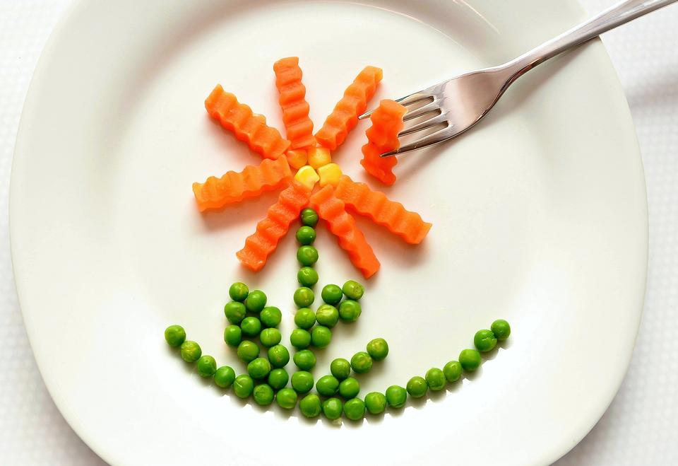 Eat Carrots Peas Healthy Of Course