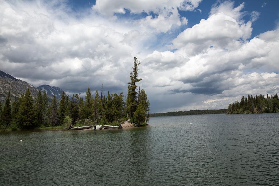 珍妮和杰克逊湖中的大提顿公园的景致