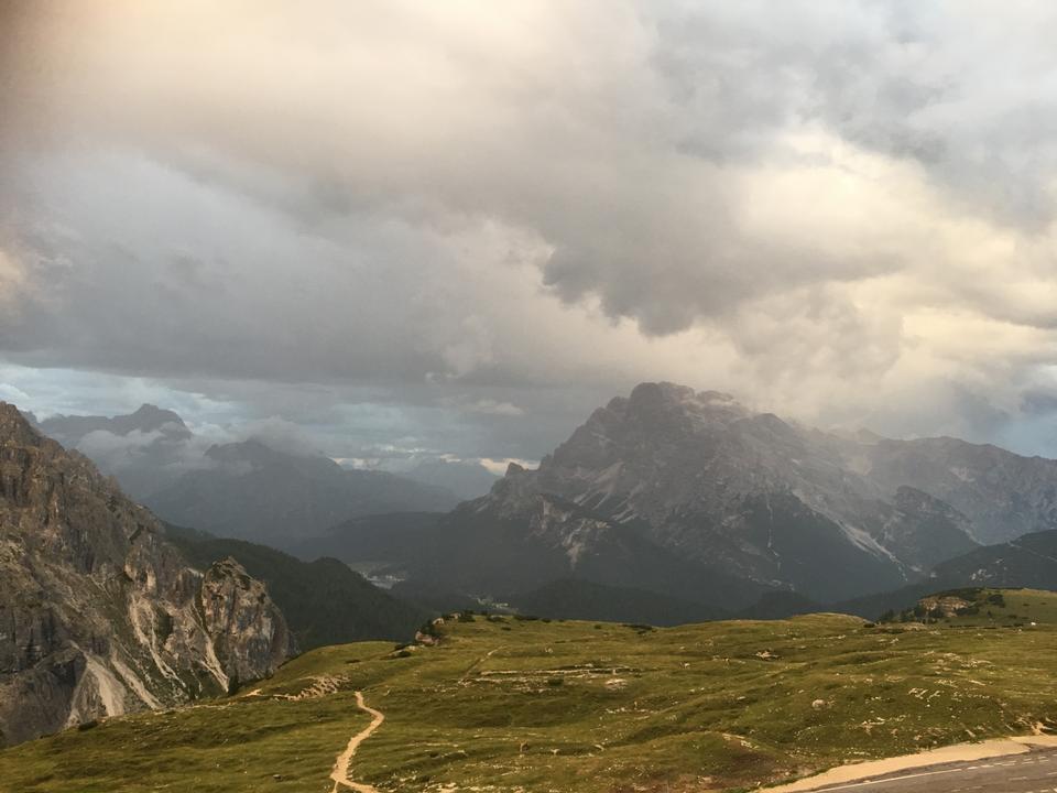 Paisaje de las Dolomitas, Paso de Giau, Italia
