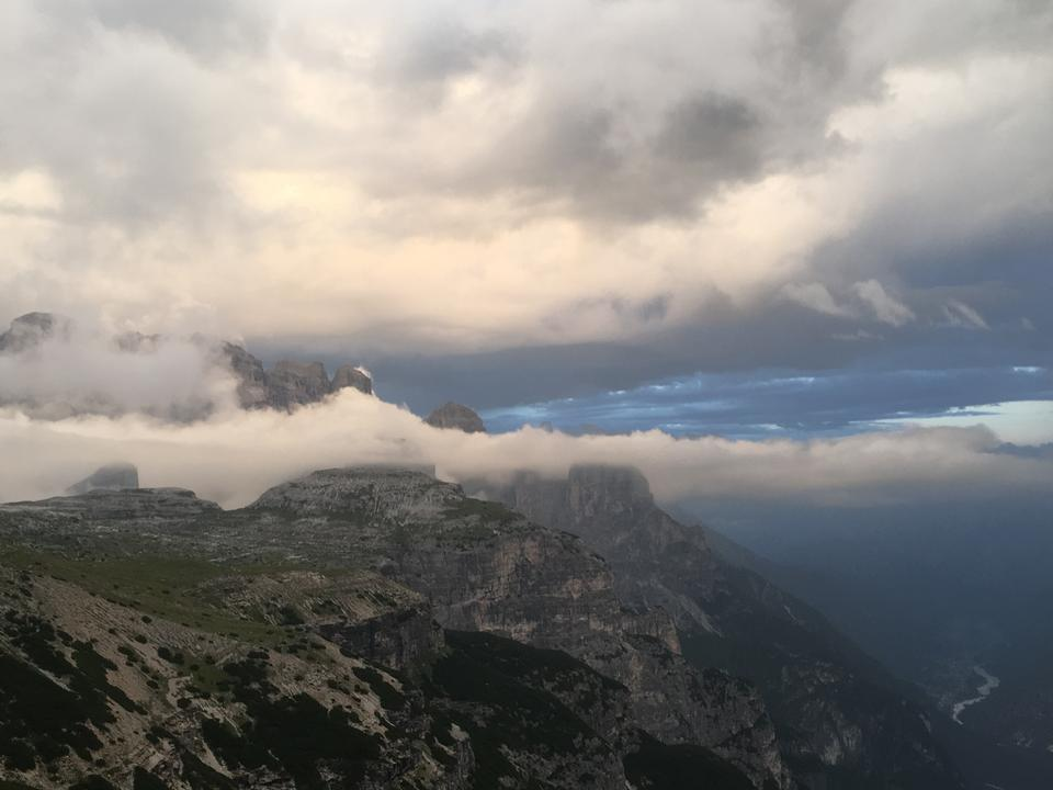 多洛米蒂山景观,Giau通行证,意大利