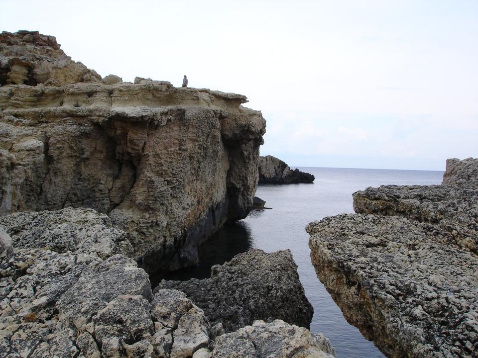 伊维萨岛的岩石