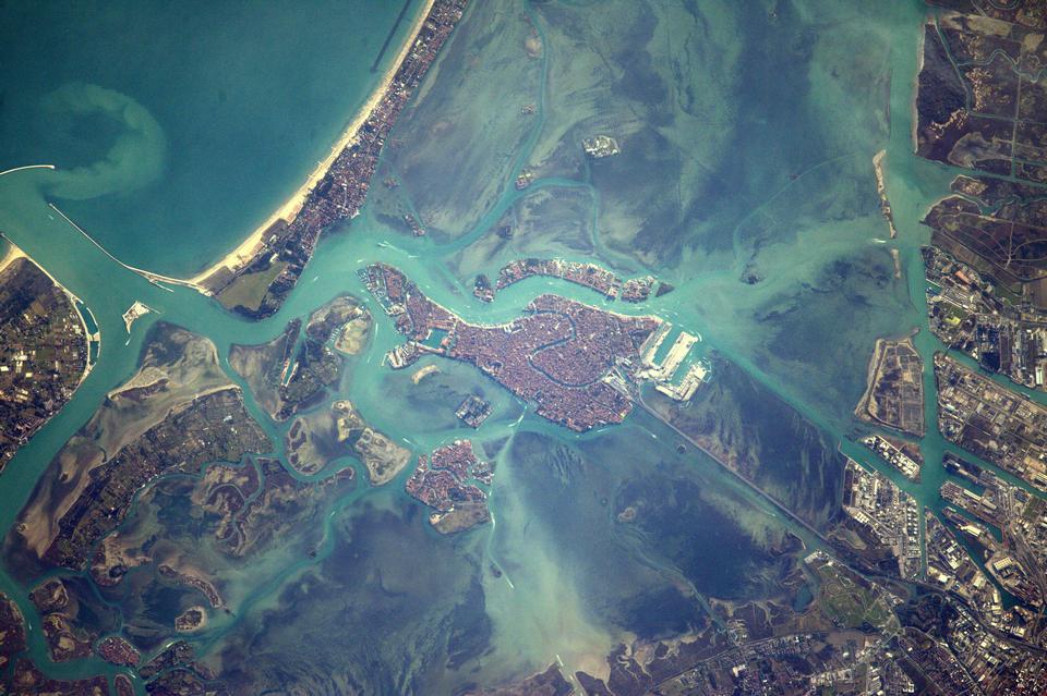 Космическая станция Полет над Венеция