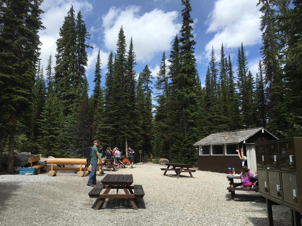 hiking trail in Opabin Plateau above Lake OHara