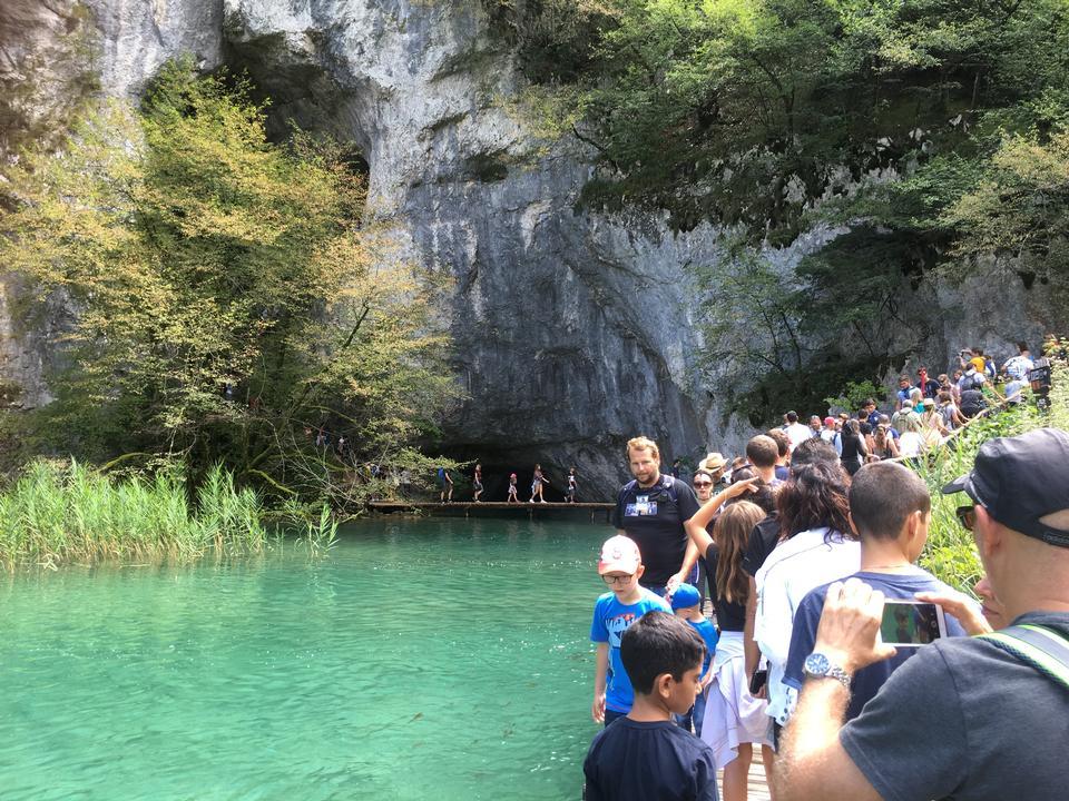 公園プリトヴィッツェ湖、クロアチアのボードウォーク