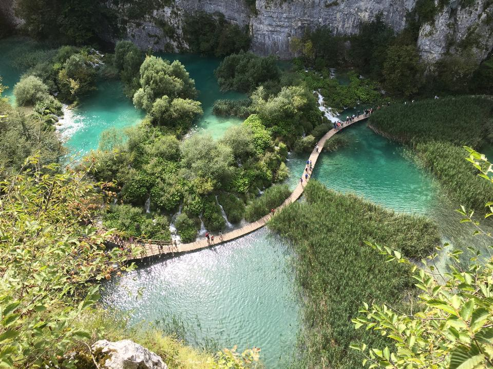 Boardwalk nel parco laghi di Plitvice, Croazia