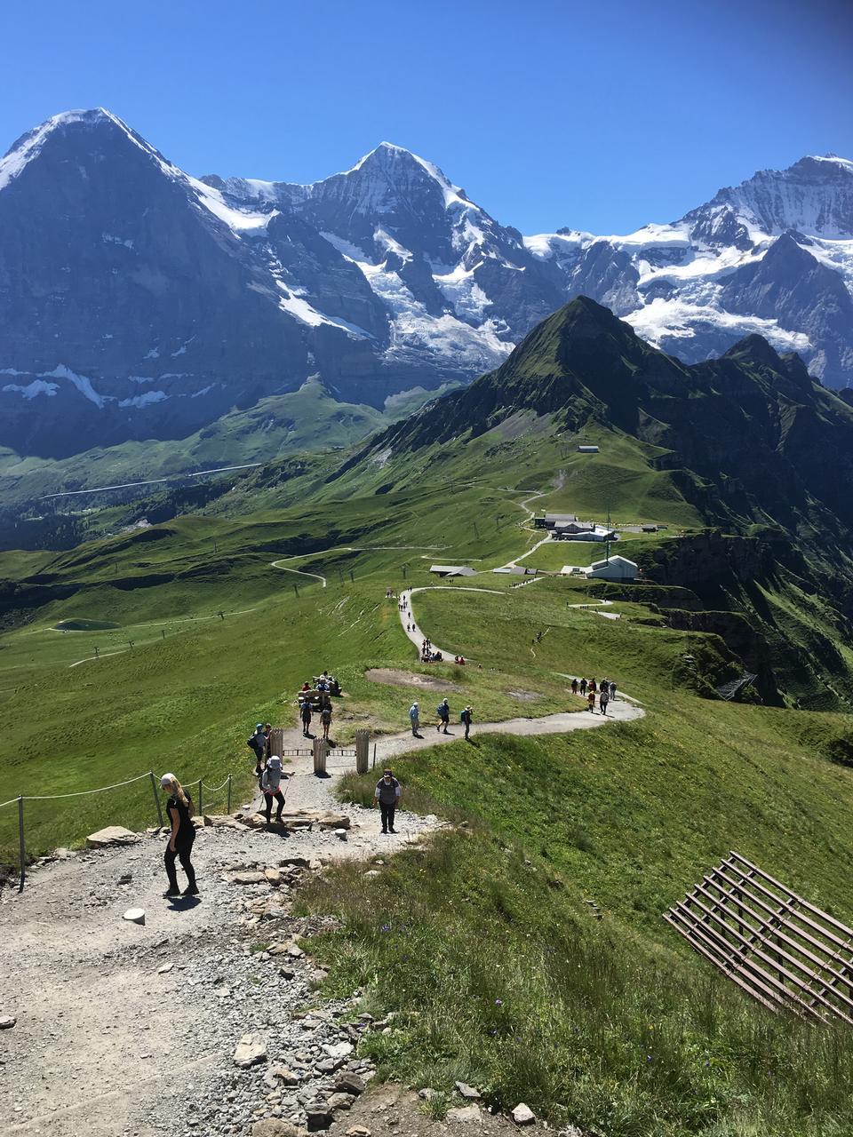 Famosas montañas Eiger, Monch y Jungfrau