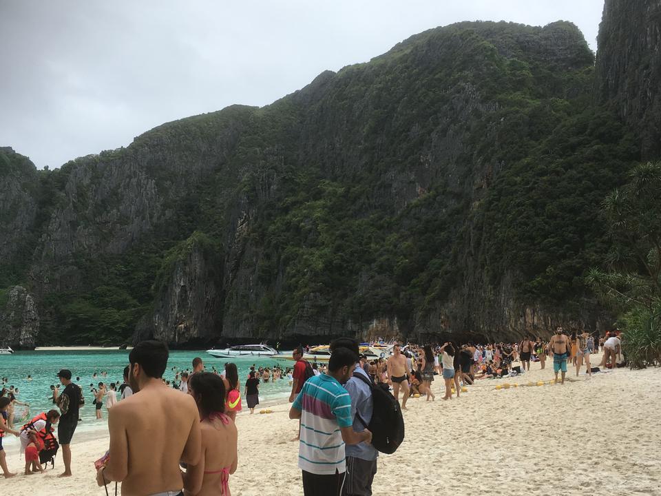 在大寨岛,泰国白沙滩游客