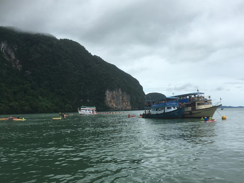 Koh Phi Phi Boat Tour in Phuket Thailand