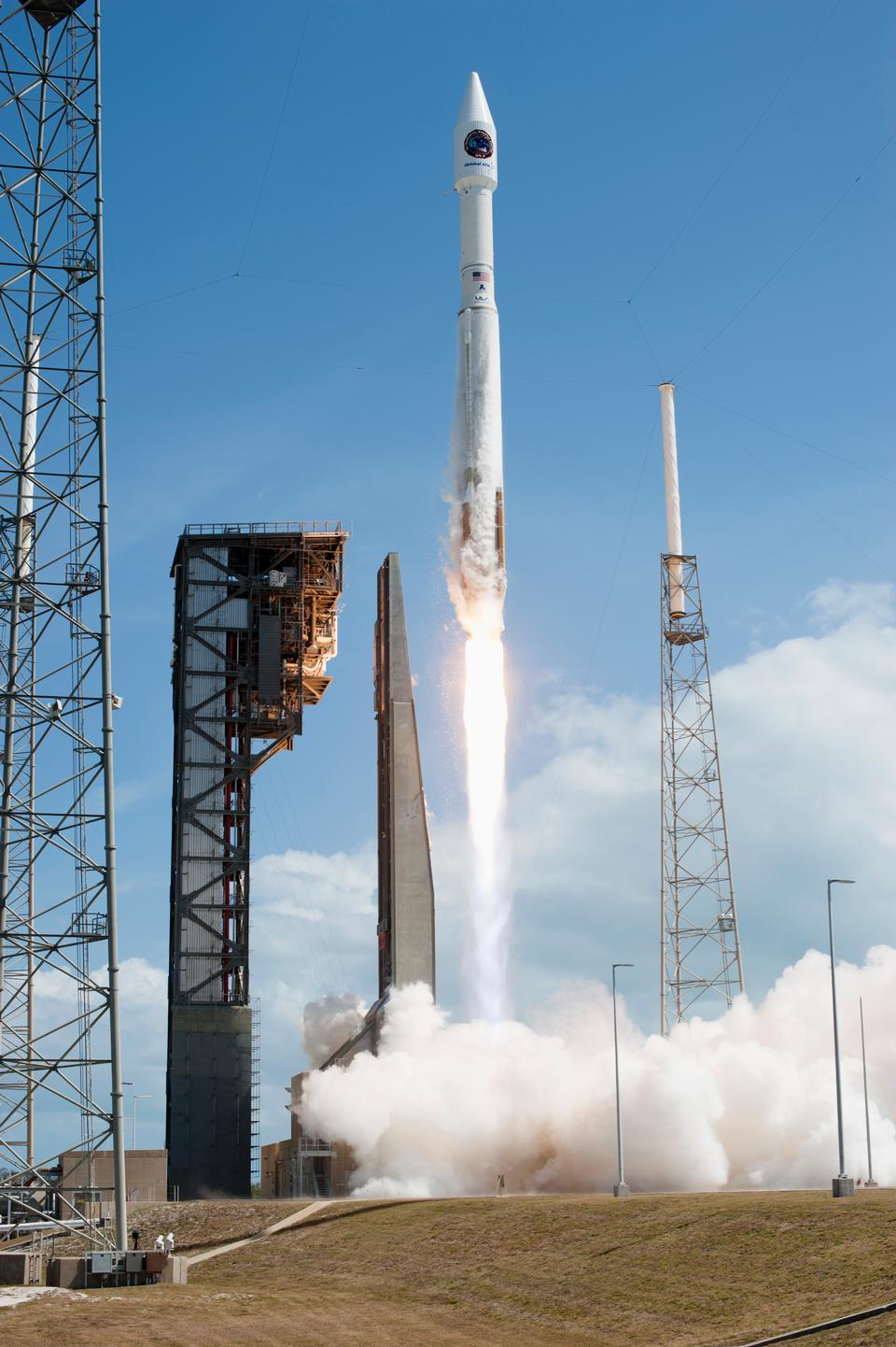Liftoff of Orbital ATK Cargo Mission