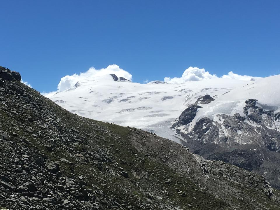 Hiking trail leading to the Oberrothorn