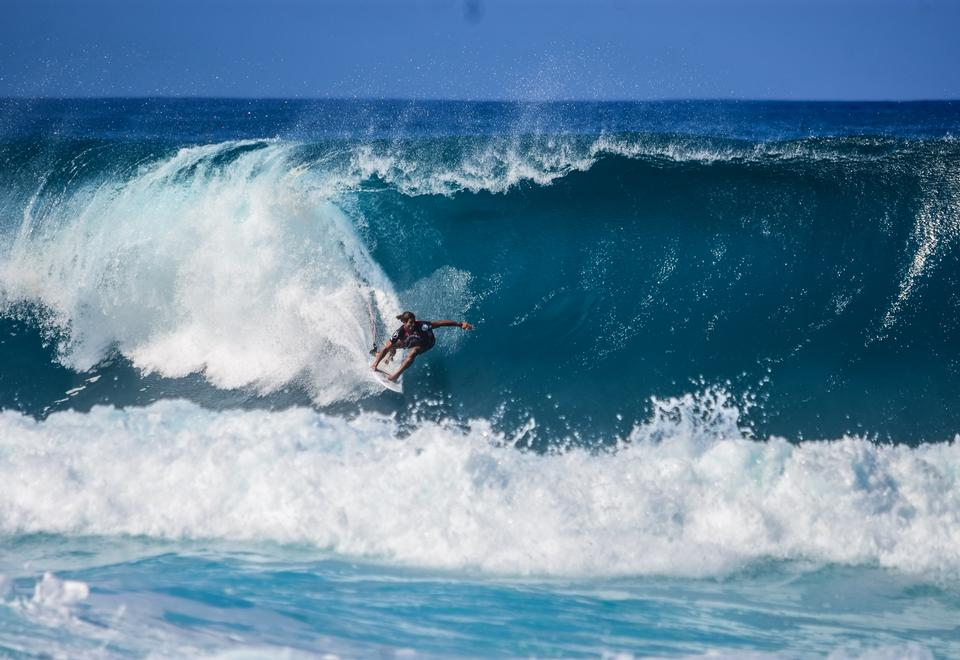 Surfing over the Wave Tunnel