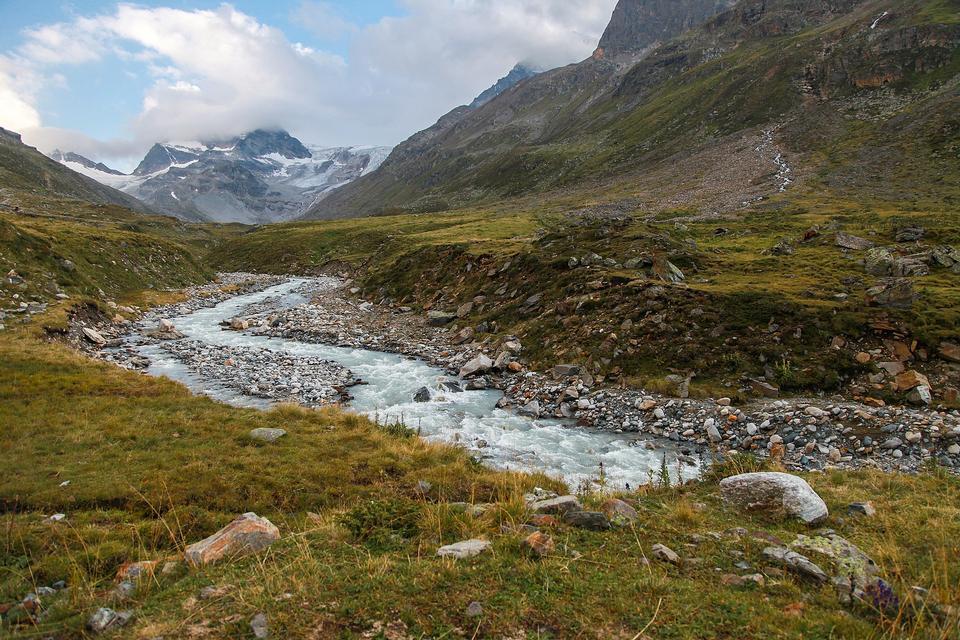 Alte montagne nella famosa zona di Silvretta nelle Alpi austriache
