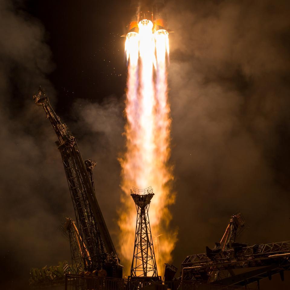 Le lancement de l'engin spatial Soyouz MS-06