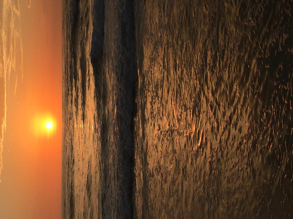 在拉霍亞海灘的日落