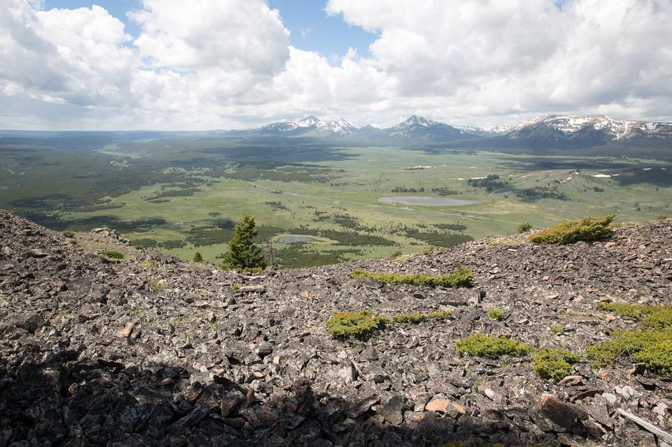 Bunsen Peak Trail. Yellowstone national park