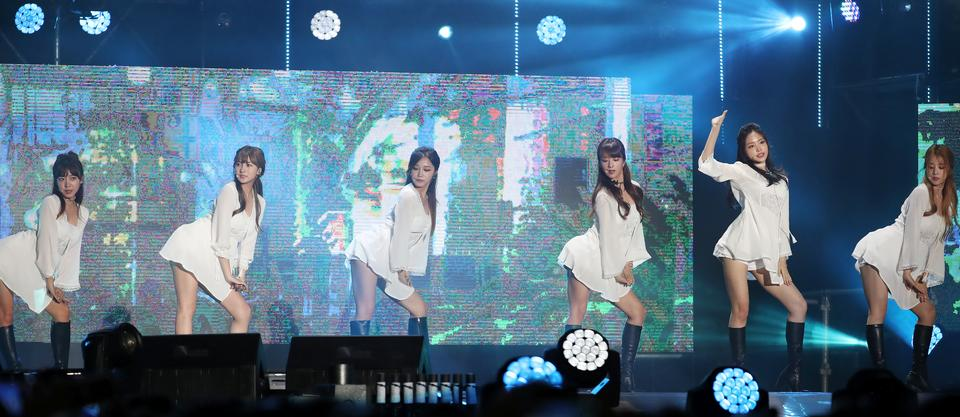 2012 K-POP World Festival Special Performance by A Pink
