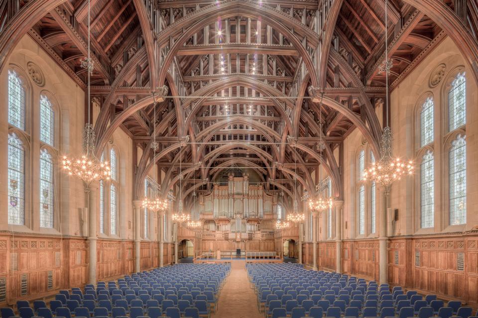 曼彻斯特大学内的Whitworh Hall