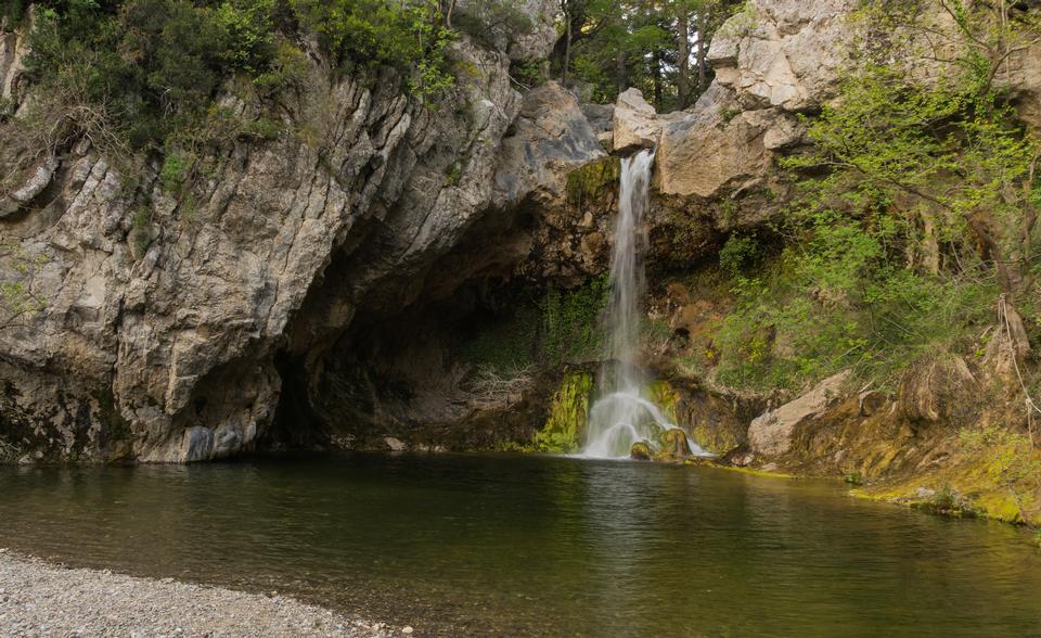 Drymona waterfall and pool, north Euboea, Greece.