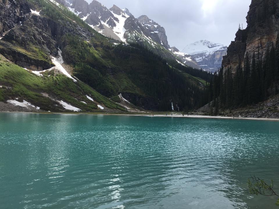 Bellissimo lago Louise situato nel Parco Nazionale di Banff, Alberta
