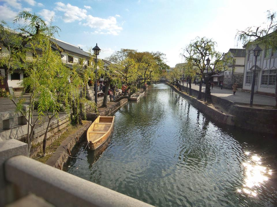 cruising and sightseeing Yanagawa