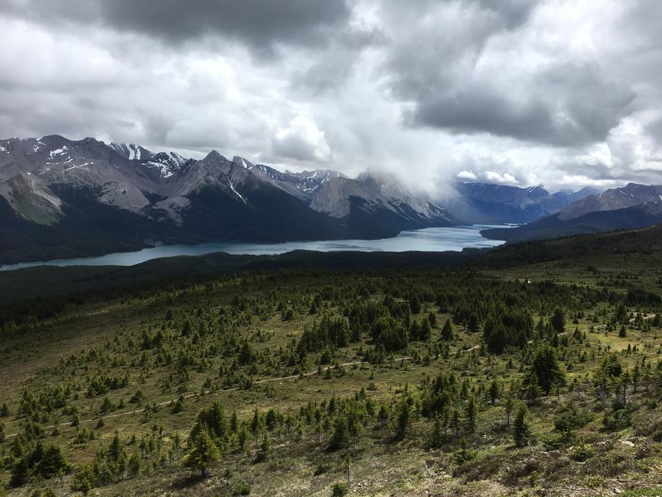 Bald Hills和Maligne Lake,加拿大賈斯珀國家公園
